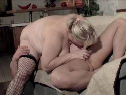 Riesen möpse porno